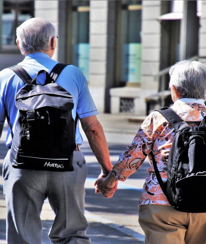 8 sposobów na dodatkowe pieniądze na emeryturze