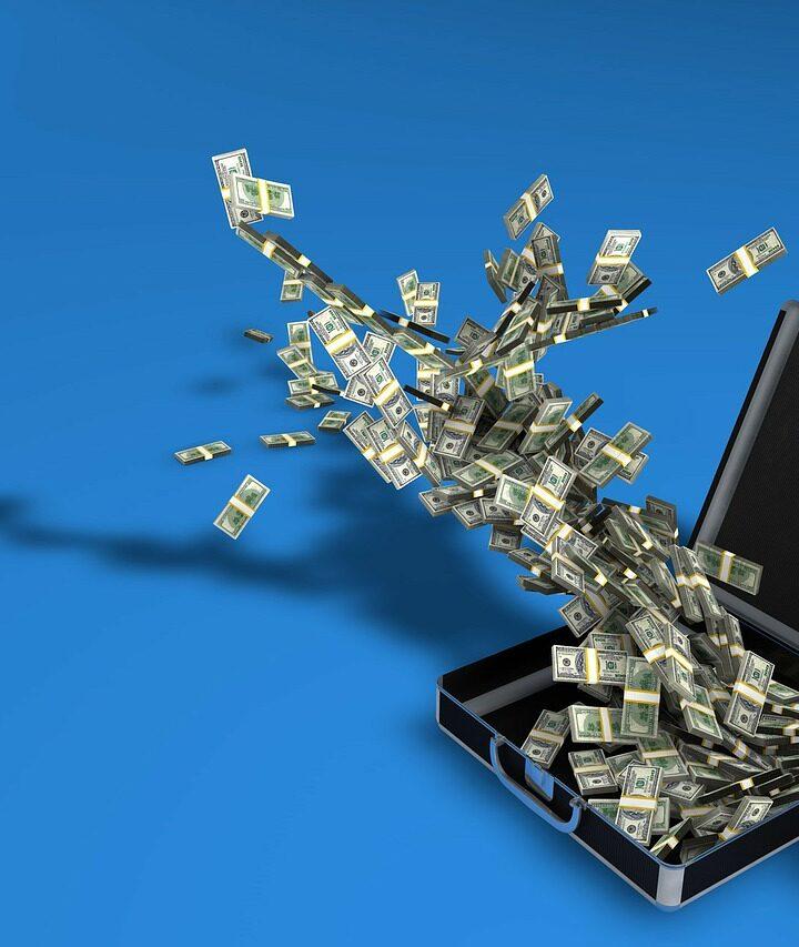 Polityka transakcyjna największych banków wobec BLIKA